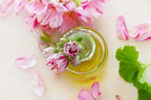 איך לשמור על עור הפנים נקי ורענן