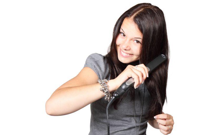 מחליקי שיער: איך משתמשים בהם נכון
