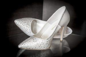 לגזור ולשמור כללי הברזל לשמירה על נעליים לבנות-