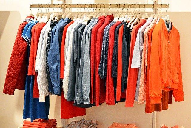 תרומות בגדים לנזקקים: כך תקימו עמותה ותתרמו לחברה